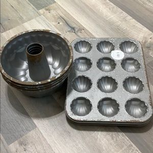 Home Decor Bundt Cake and Cupcake Pan